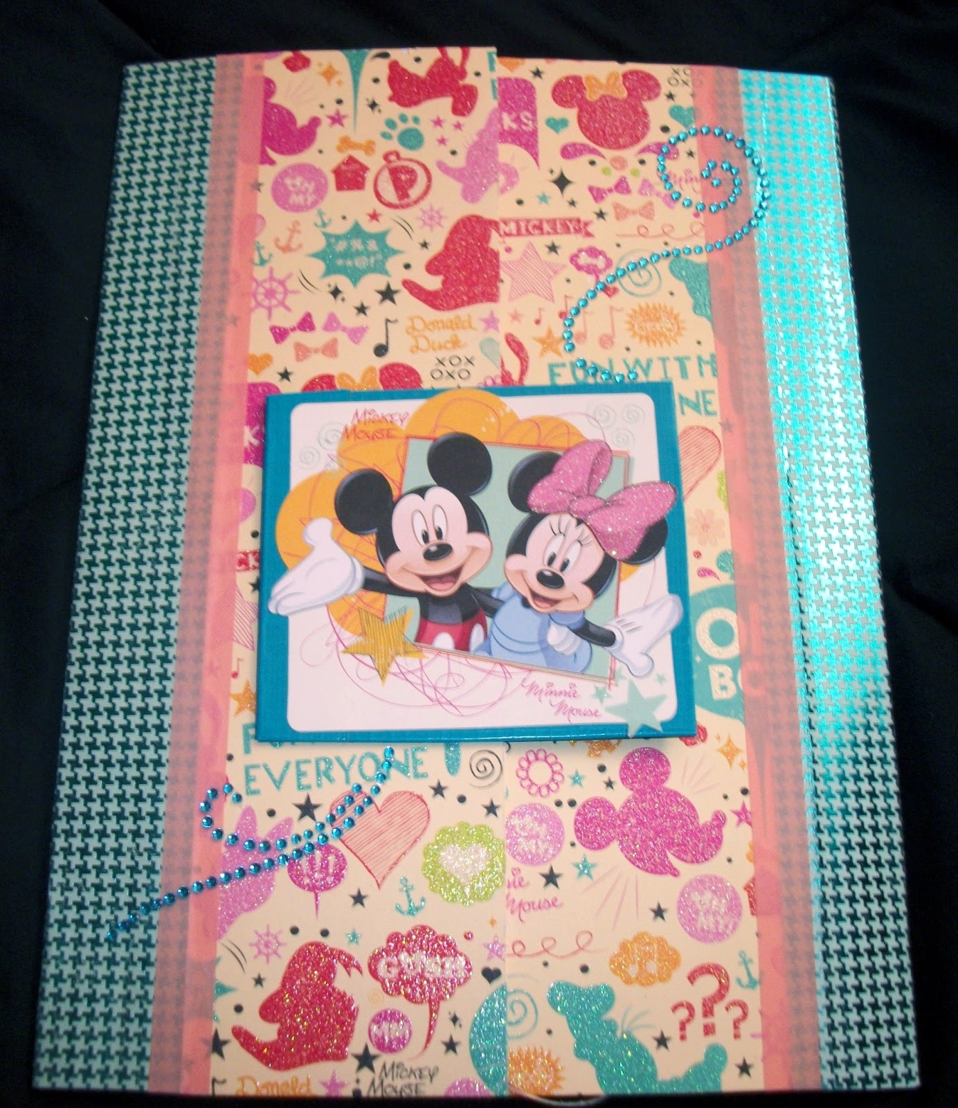 How to make scrapbook for birthday - This One S Theme Is Minnie Mouse And Daisy Duck Birthday It Measured Roughly 8 5 X 11 5 Inches I Have A Mother S Day One Coming As Well