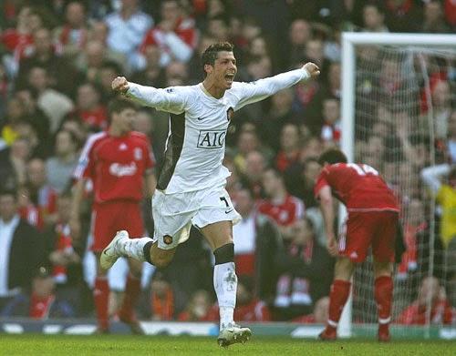 """MU phải """"đốt"""" 140 triệu bảng nếu muốn Ronaldo"""