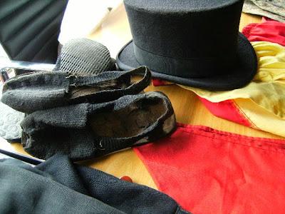 Sombrero de pumpá, alpargatas y toda la indumentaria para la parranda