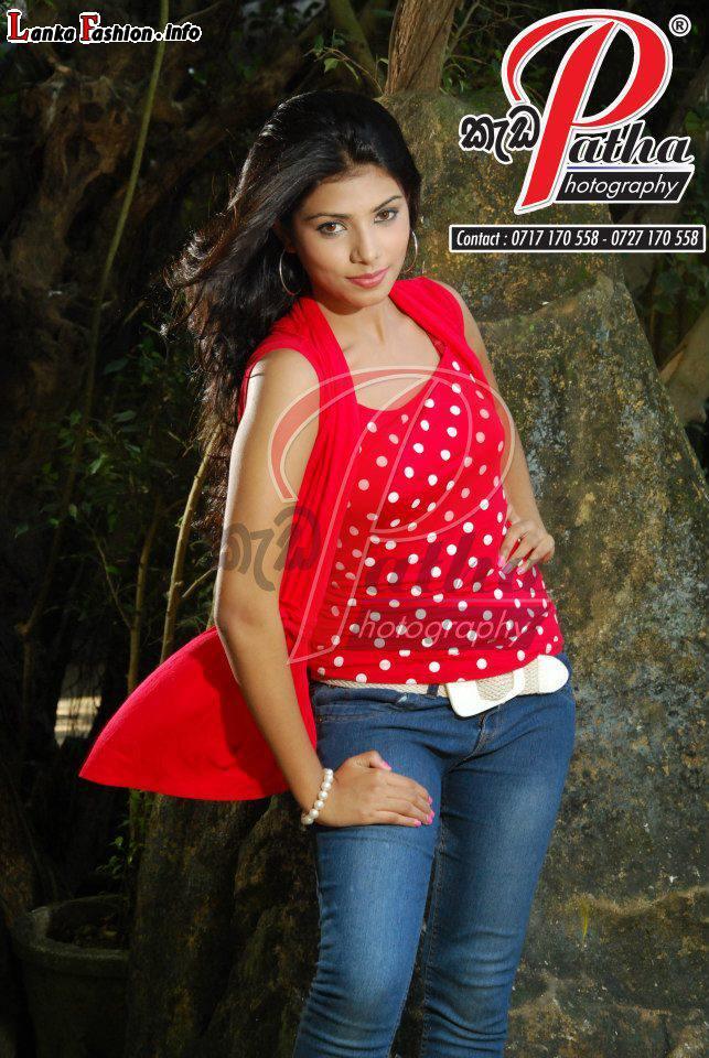 Ruchini Tanasha Hatharasingha New Photos | Cultural nude girl