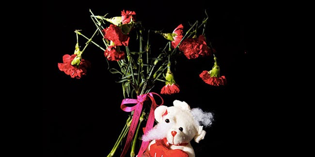 Kado Valentine Paling Aneh