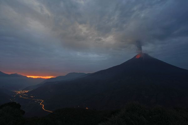'We have had an attack from the earth like never before!' Ecuadors Tungurahua volcano spews ash 400