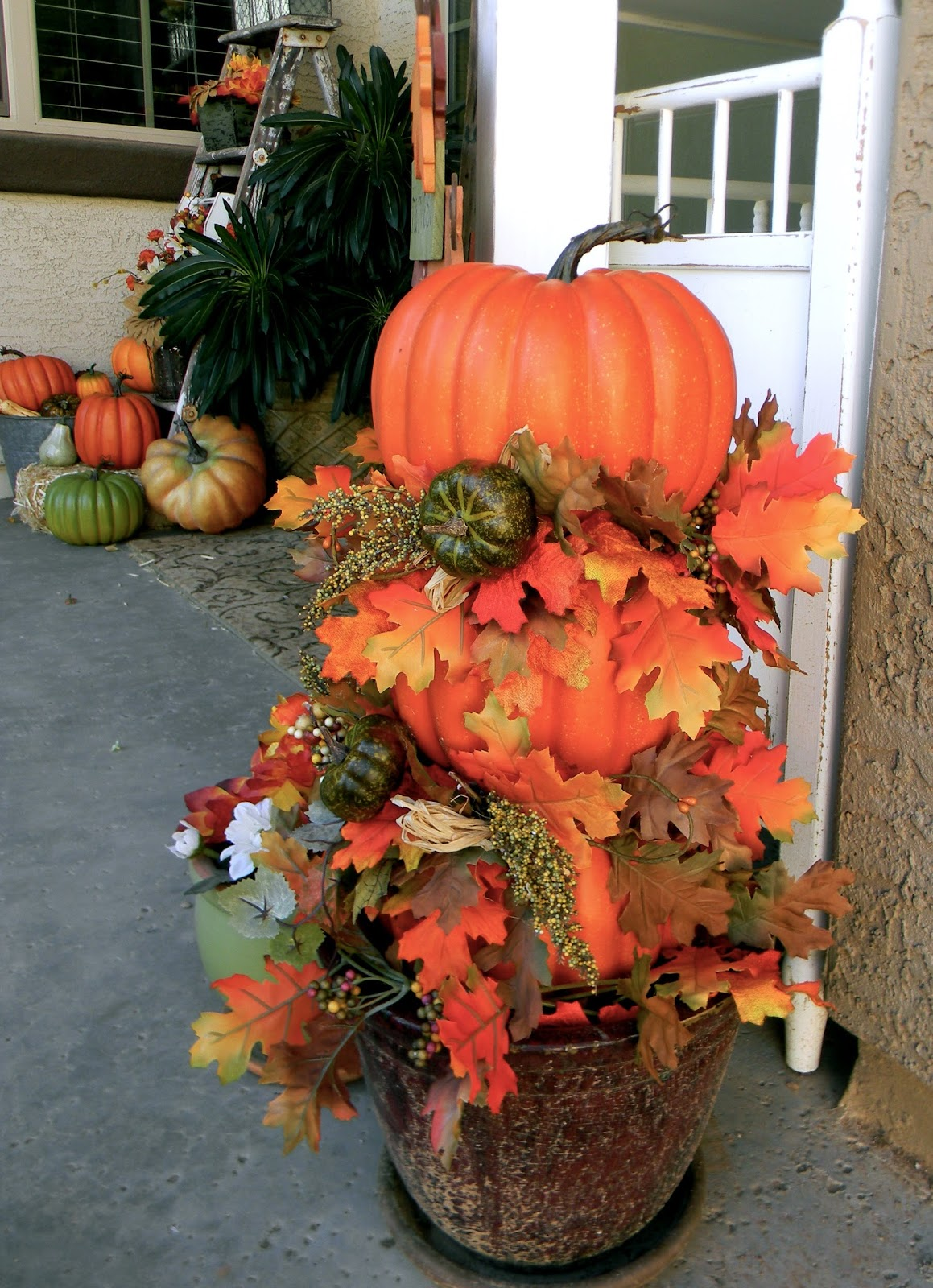 Pumpkin Topiary Ideas Part - 28: Thrifty Thursday: DIY Pumpkin Topiary And Fall Porch
