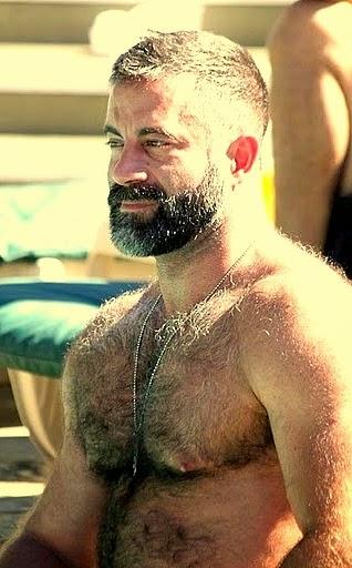Photos : Des hommes au poil - Publicfr