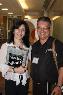 Ao lado de Luiza Moreira