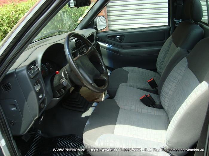 Chevrolet S-10 Cabine Simples 2003 - interior