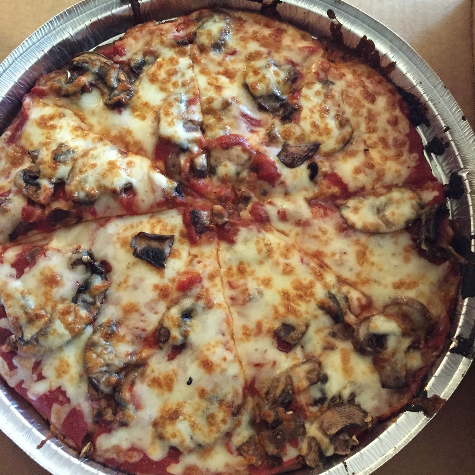geeky gluten free foodie dining out pizza cottage inn rh geekyglutenfreefoodie blogspot com cottage inn gluten free menu cottage inn gluten free coupon