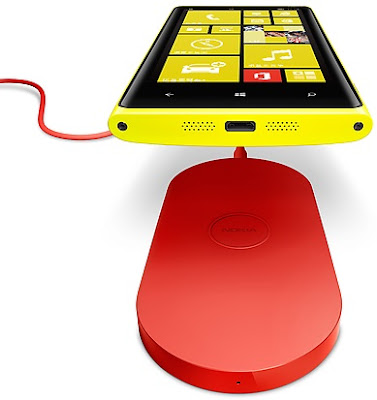 Nokia Lumia 920T - China Mobile, and Nokia Wireless Charging Plate (DT-900)