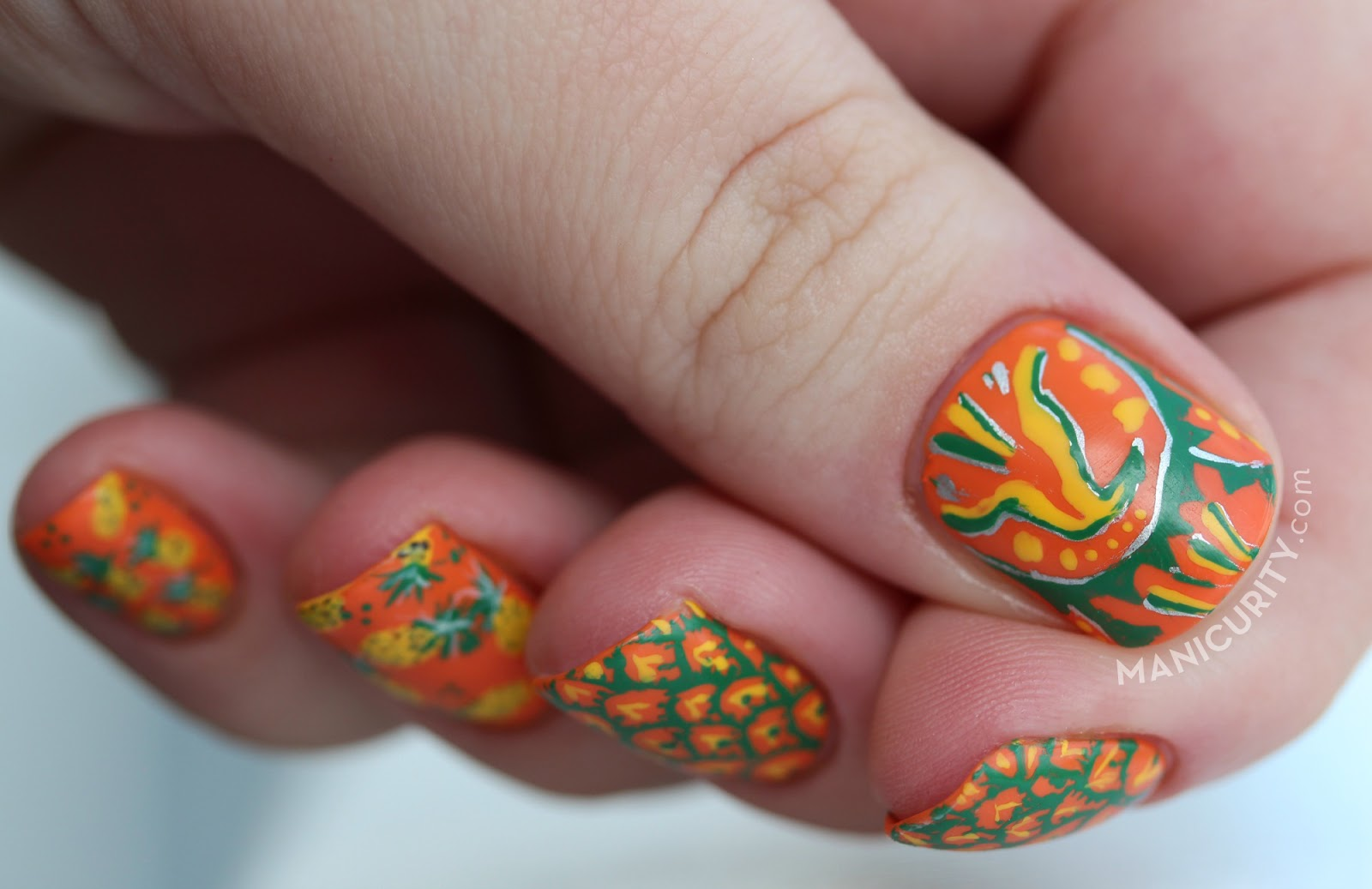 The Digit-al Dozen does Brands: Jupiña Pineapple Soda Nails - freehand pineapple nail art | Manicurity.com