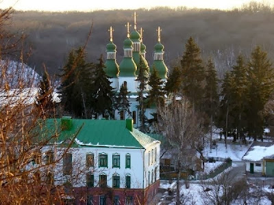 http://2.bp.blogspot.com/-nq5J5y27WpM/Um7EBGwyYpI/AAAAAAAAFlA/-EDF1Q1lDJA/s400/manastirea_kitaev.jpg