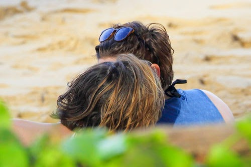 Kristen Stewart and Alicia kiss