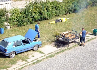 Funny pictures: Auto Barbecue
