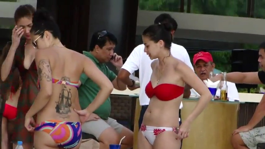 Home » Ann Curtis Scandal In Boracay Swimsuit