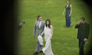 foto-pernikahan-Angelina-Jolie-dan-Brad-Pitt_1