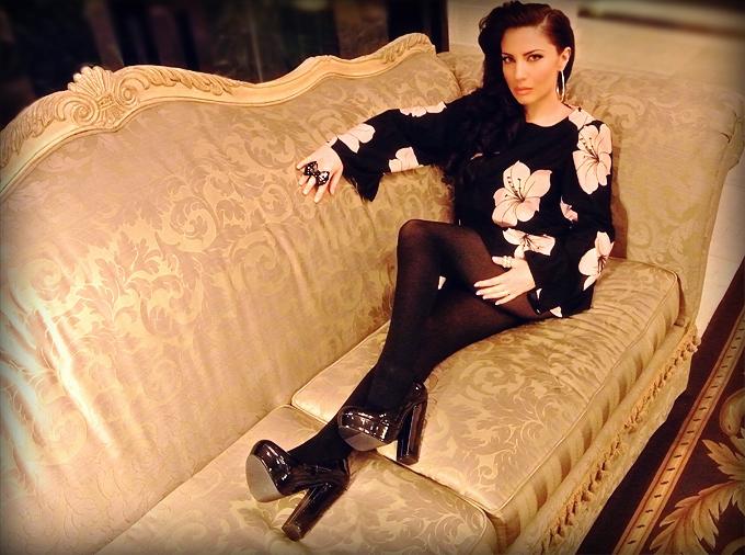 Lana Del Rey Makeup, Lana Del Rey Hair, Mod Fashion, Mod Style, Old Hollywood Style, Spring 2013 Fashion, Spring 2013 Makeup, Idalyze Nasiha Rose, Luxe Life Society, Vintage Hair, 60s Makeup, 60s Fashion, 60s Style, Black Tunic, Black Shift Dress, Vintage Clothing, Platform Pumps