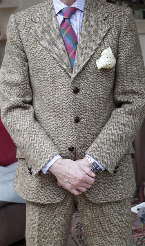 Grey Fox: Vintage oatmeal herringbone Harris tweed suit