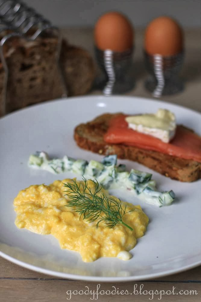 ... : Recipe: Scrambled Eggs with Scottish Smoked Salmon Crostini