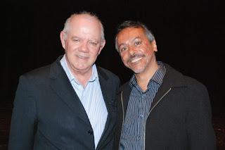 Secretário de Turismo, Henrique Carregal, com o palestrante da noite, Pedro Bertolucci