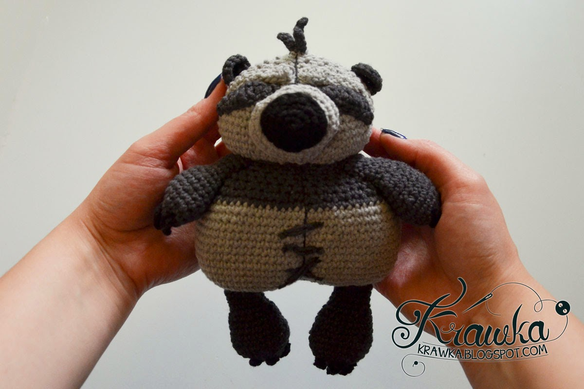 Little PO - Crochet Po's plush from Kung Fu Panda 2. Free Pattern on krawka.blogspot.com