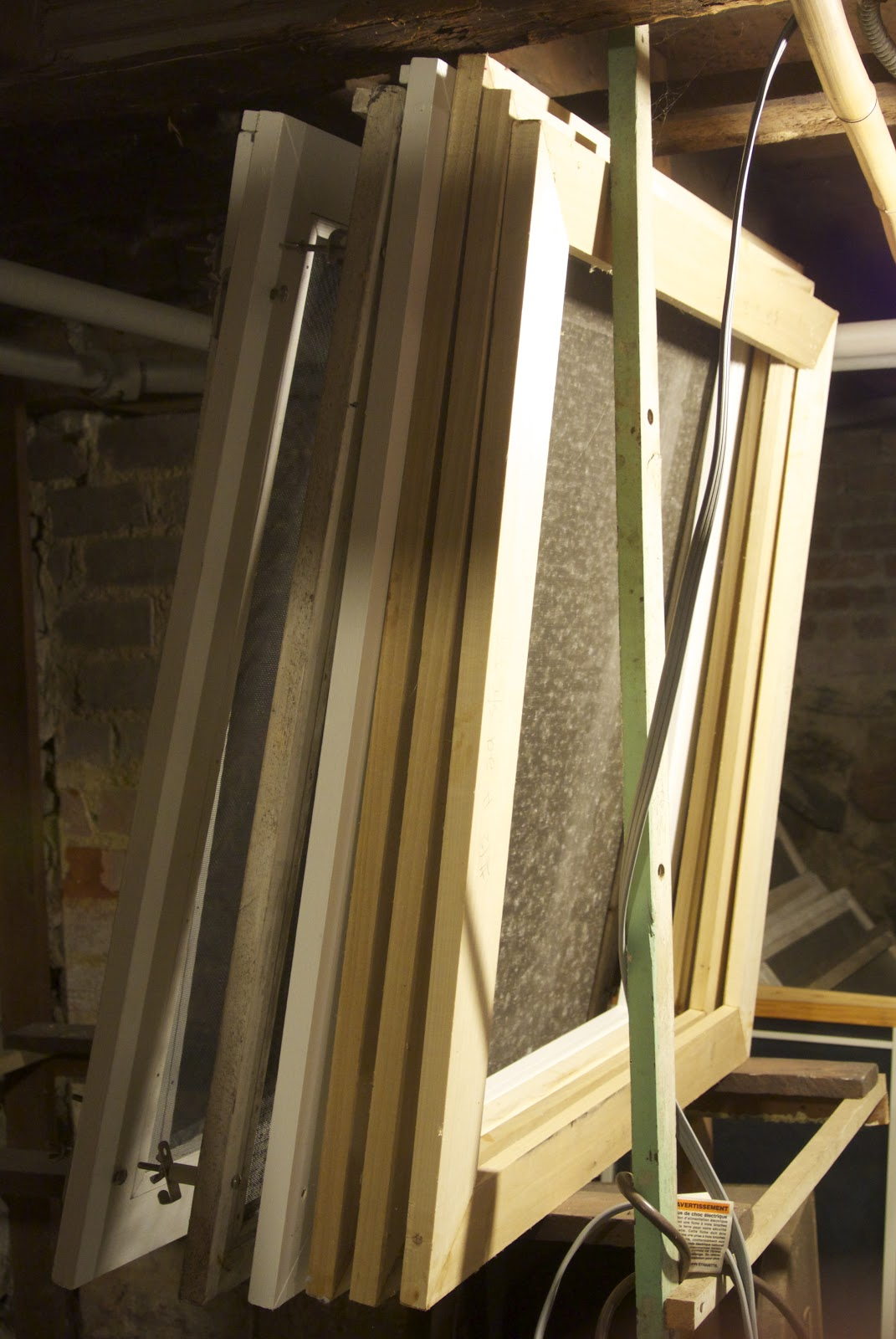 Life At Pugsley: How To Make Wood Window Screens 6: Securing The Miter . Full resolution  picture, nominally Width 1071 Height 1600 pixels, picture with #B18D1A.
