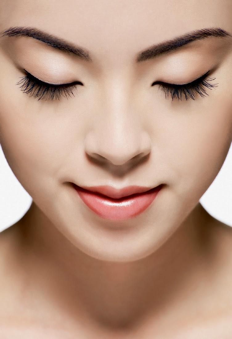 Những thói quen trước khi ngủ tốt cho da