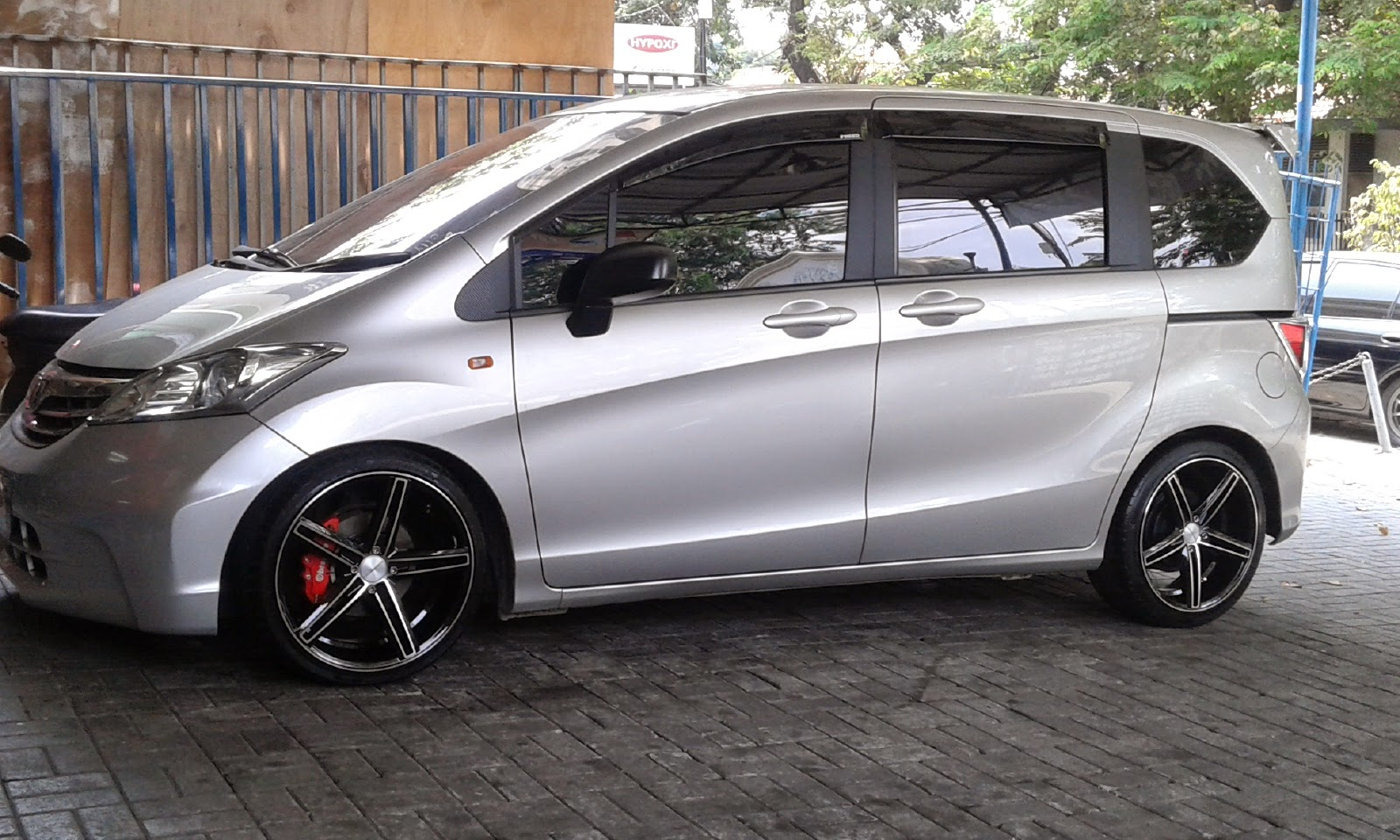 modifikasi velg mobil honda freed