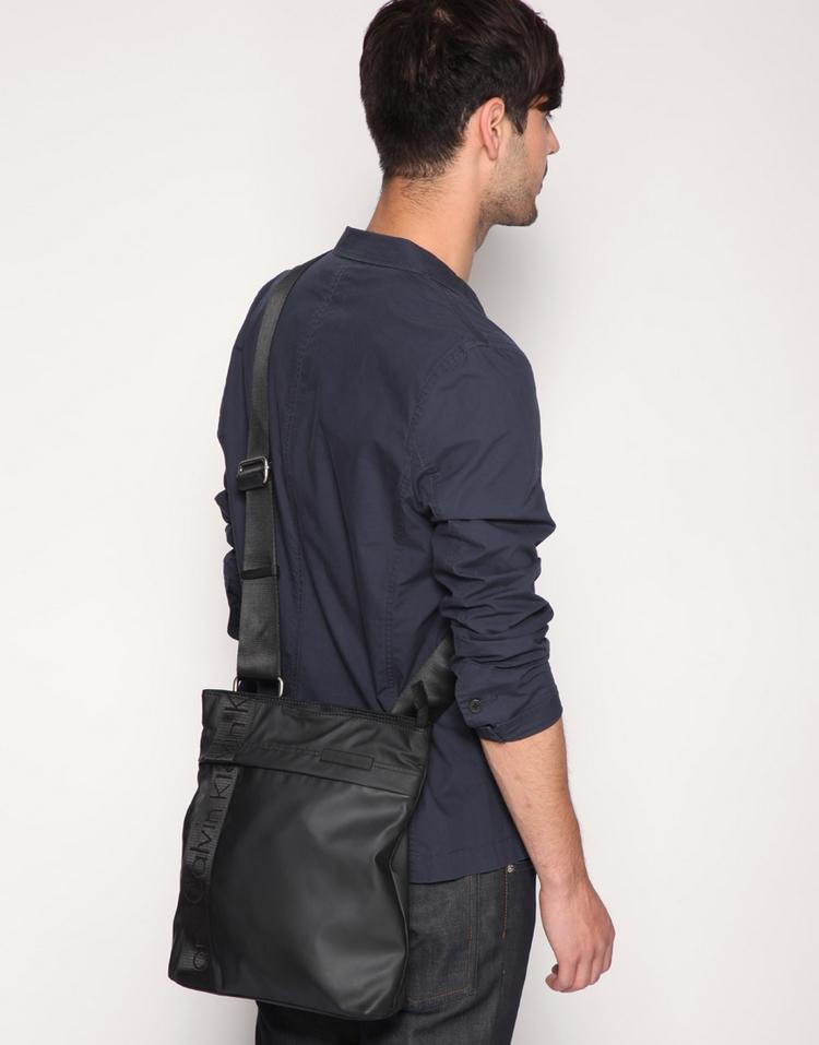 Qiqi Calvin Klein Jeans Flat Crossbody Bag