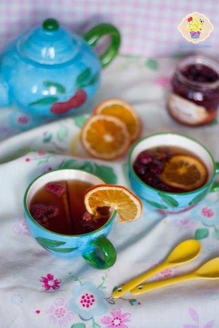 rozgrzewająca herbata, przepis na herbatę, herbata z cynamonem, herbata z anyżem, herbata z pomarańczą
