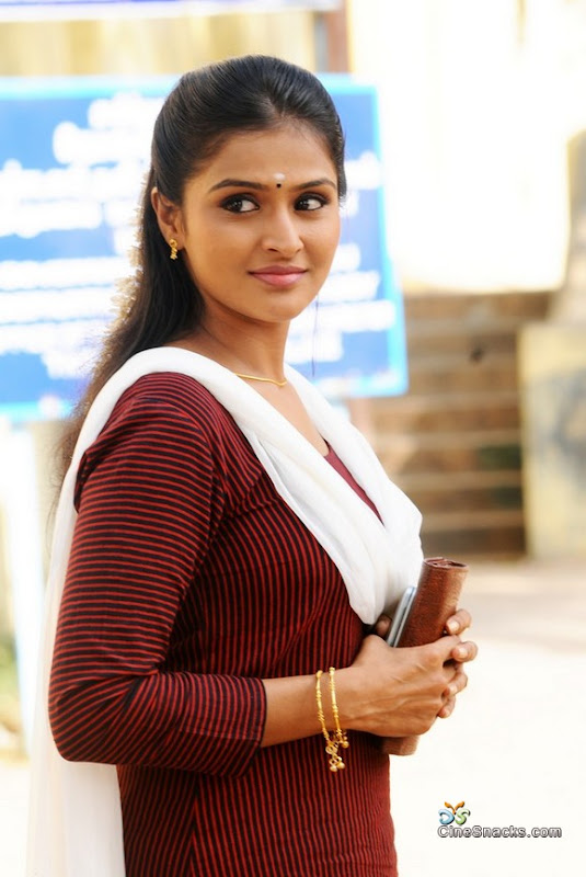 Ramya nambeesan  malayalam movie actress photos cleavage