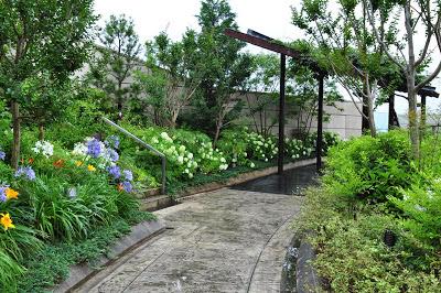 http://cwfoodtravel.blogspot.com/2013/02/japan-2012-namba-parks-osaka.html