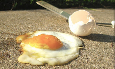 Sidewalk Egg Frying, USA