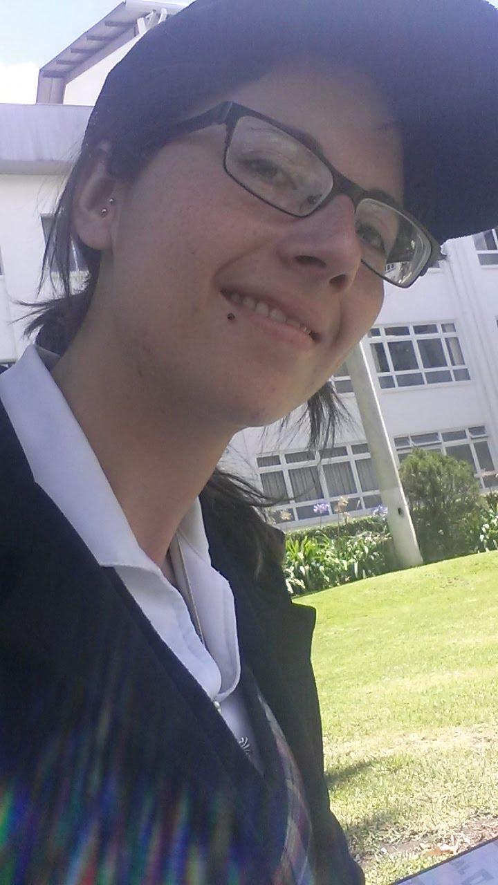 Fernanda/Lain