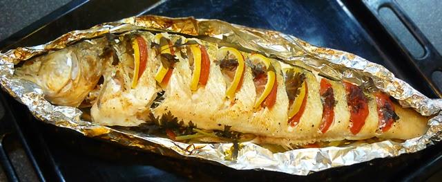 Рыба запеченная целиком в фольге в духовке рецепт с пошагово в