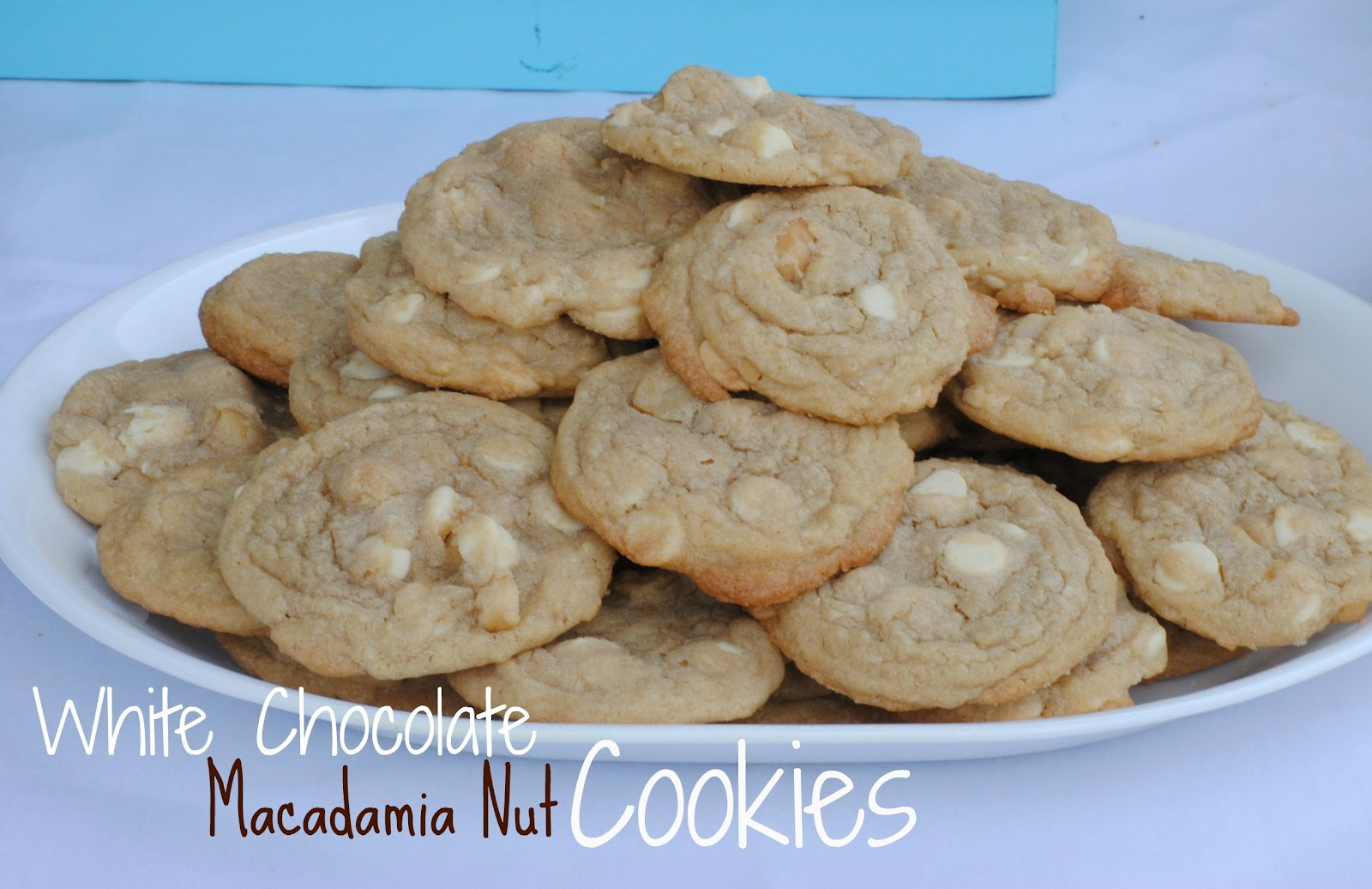 The Farm Girl Recipes: White Chocolate Macadamia Nut Cookies