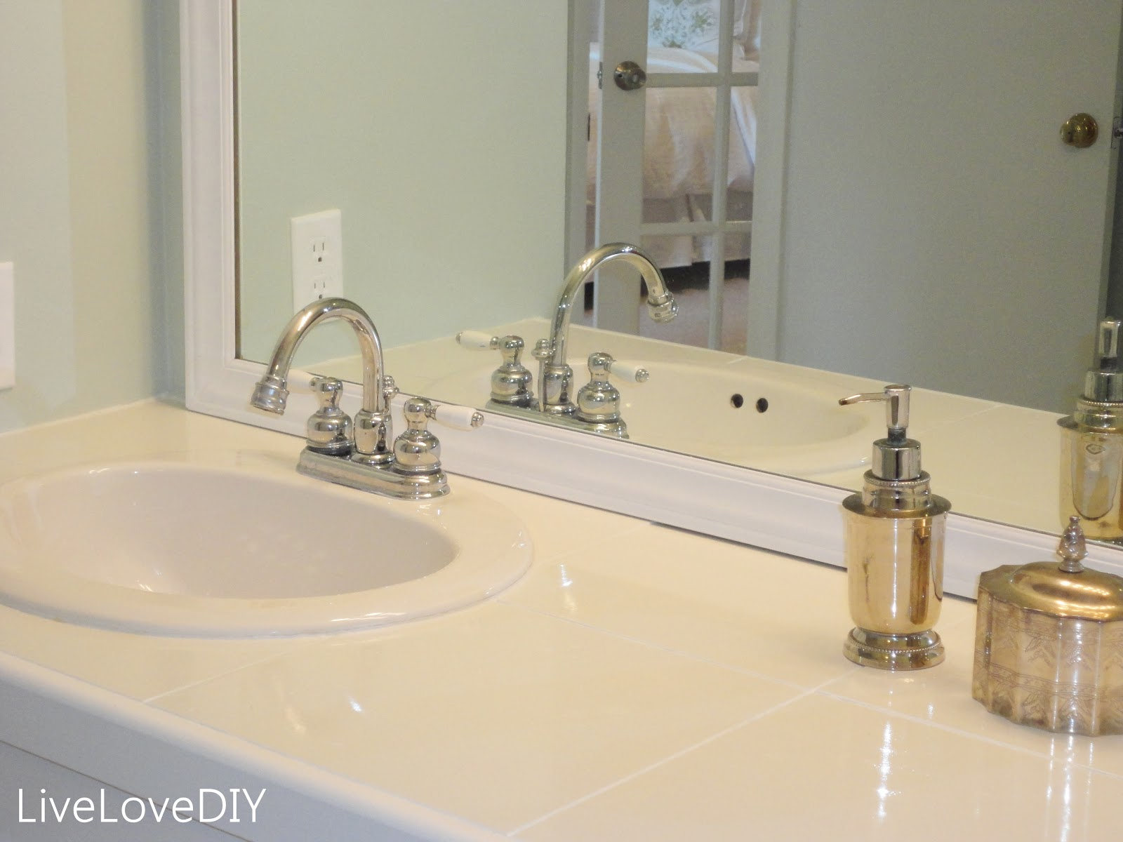 Livelovediy easy diy ideas for updating your bathroom for Bathroom countertops