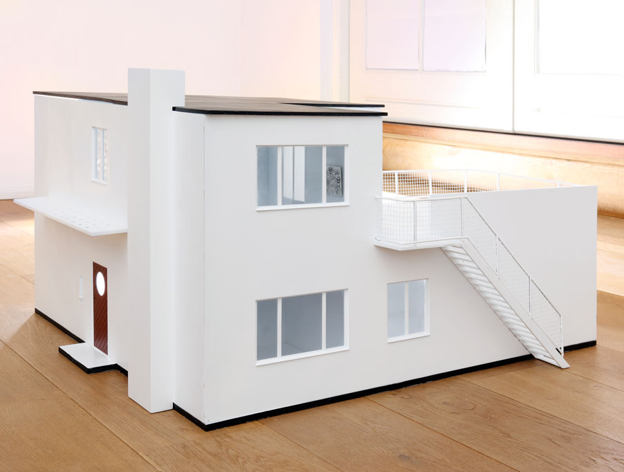 Daily Update Interior House Design The Arne Jacobsen Doll House
