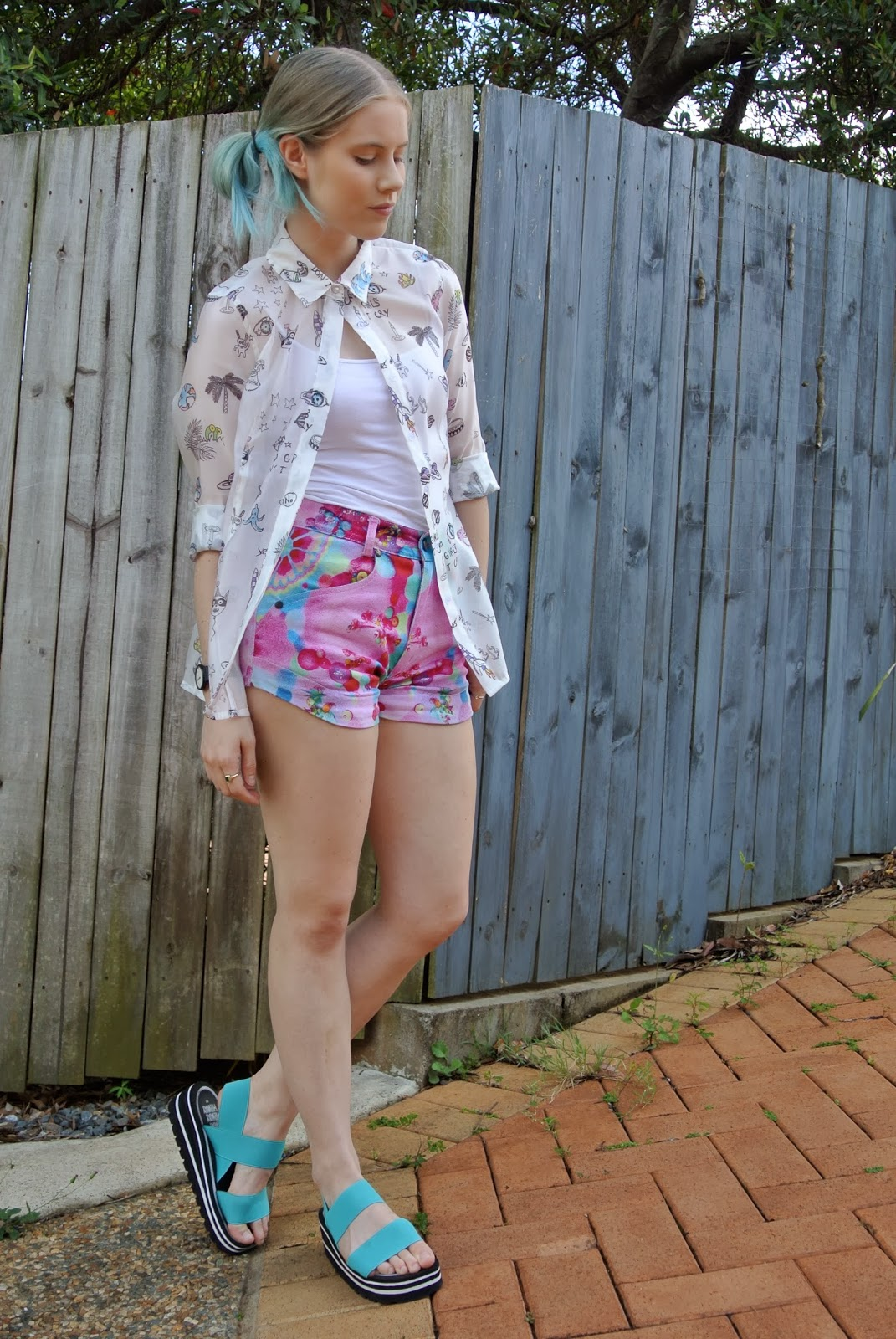 outsideiscolours, outside is colours, Pip O'Sullivan, fashion blog, OOTD, fashion blogger outfit, HI!WAY sandals, foam flatforms, foam and elastic sandals, romance was born fantasy shorts, pip and pop print, rainbow mandala shorts, frontrowshop cartoon top, front row shop white cartoon shirt, OOTD, blogger outfit, blogger wearing, fashion blogger blue hair, turquoise hair, dip dye, blue ombre