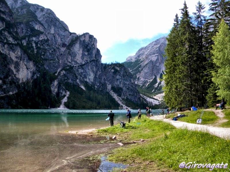 lago braies foto