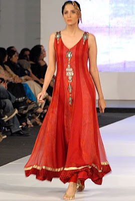 Pakistani Dress Designers on Pakistani Designer Suits New Images Pictures Photos Collections 2013