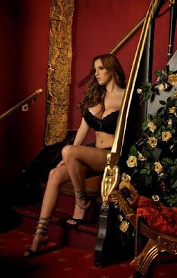 celebrity modeling, charming shot, classy model, elegant shot, elegant style, fashion model,sexy fashion, American fashion model