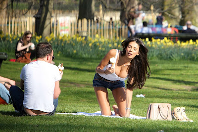 Georgia Salpa Enjoying An Ice Cream In A Park- 17 Pics
