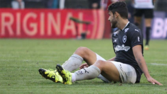 Botafogo adia acesso em jogo com tempos distintos