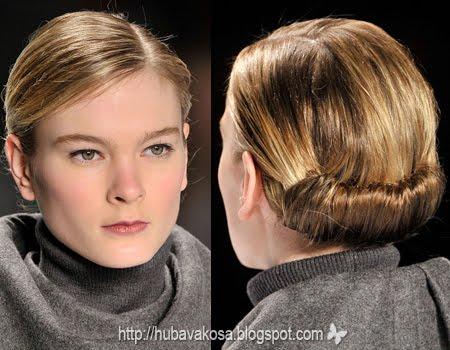 гладка прибрана коса с път на една страна