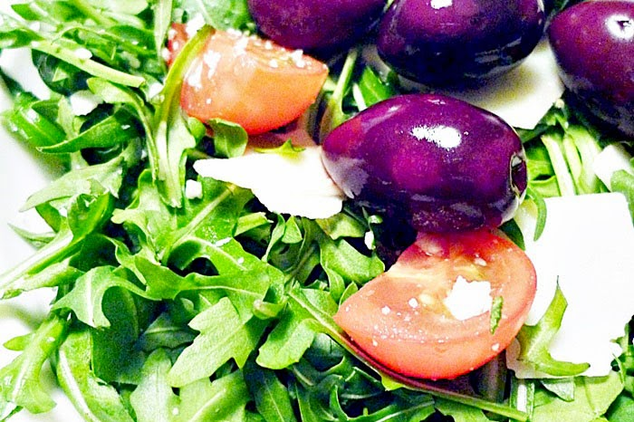 Rucolasalat mit Grana Padano mit Orangendressing