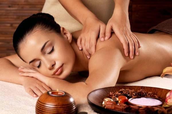 8 Manfaat Body Massage (Pijat Tubuh) yang Perlu Anda Ketahui