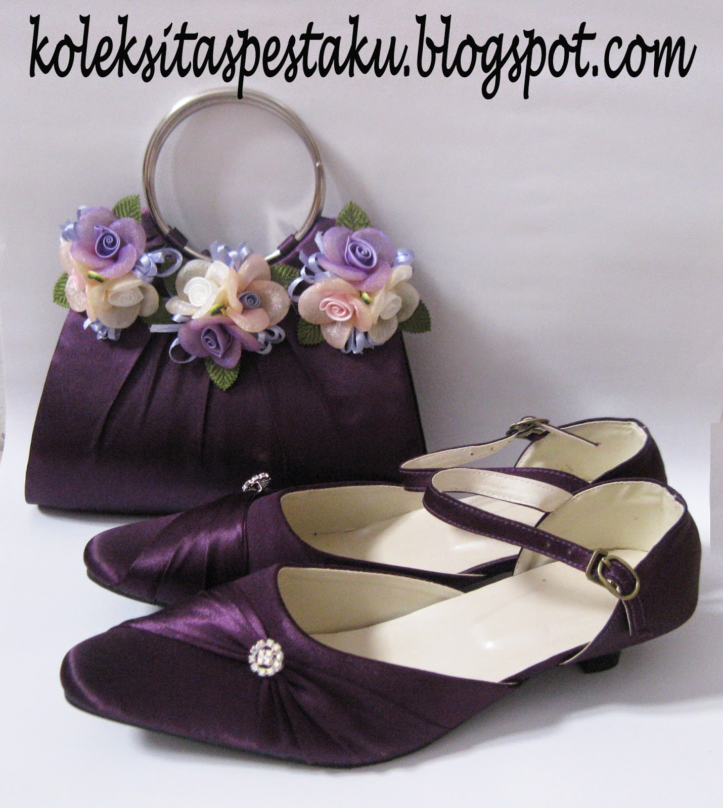 Sepatu dan Tas Pesta Ungu Bunga Unik Elegant