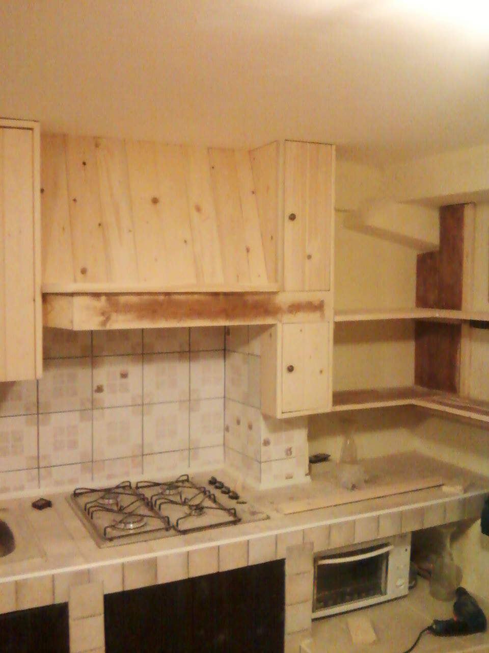Mie soluzioni pensili per cucina in muratura - Mobili per cucine in muratura fai da te ...
