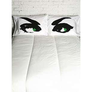 Подушка глаза