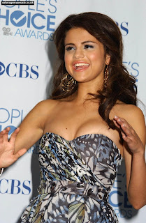 Selena Gomez Hot Pictures