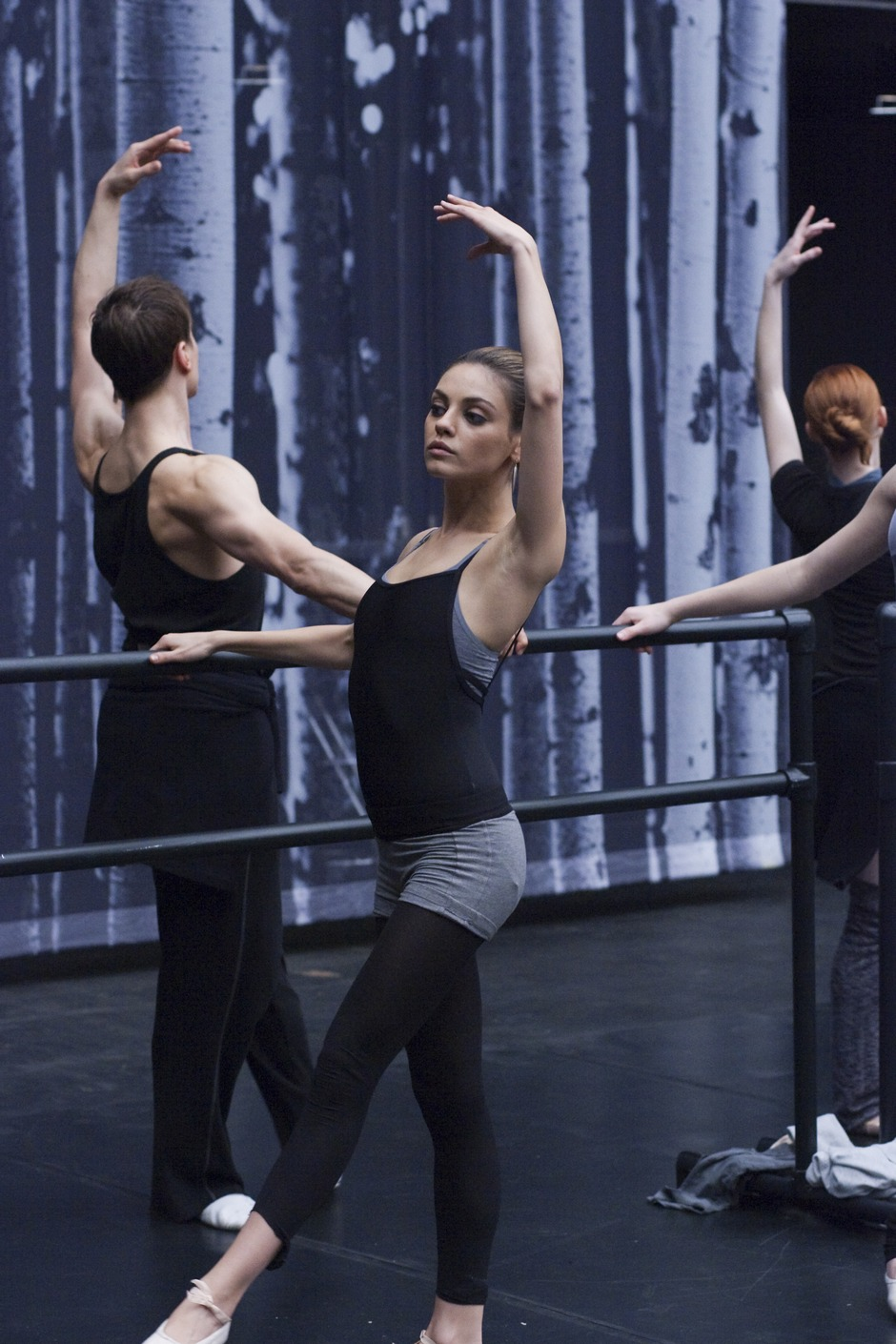 Chatter Busy: Mila Kunis On Her Shocking Weight Loss For ... Mila Kunis Black Swan Body